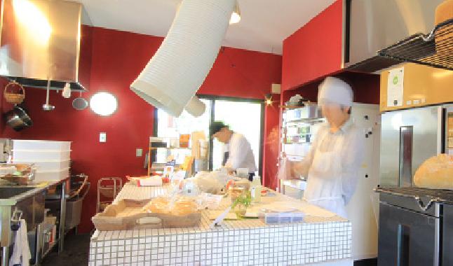 人を想いながら作るパン