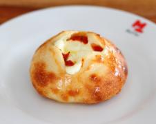 トマトとチーズフォンデュ